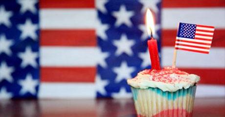 Thousands of New Citizens Help U.S. Celebrate Birthday
